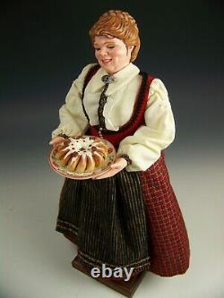 1997 Limited Edition Simpich Character Doll Caroler Series Hannah