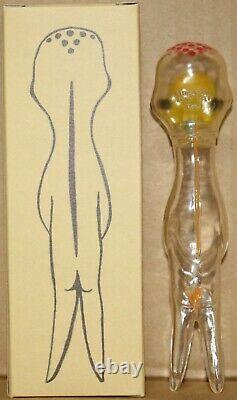 Izumi Kato Vinyl Figurine Hong Kong Transparent Edition Limitée