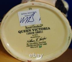 Moyen Royal Doulton Caractère Jug Queen Victoria D7072 Edition Limitée