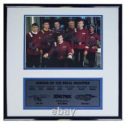 Star Trek Cast Signed Photo - Edition Limitée Par 7
